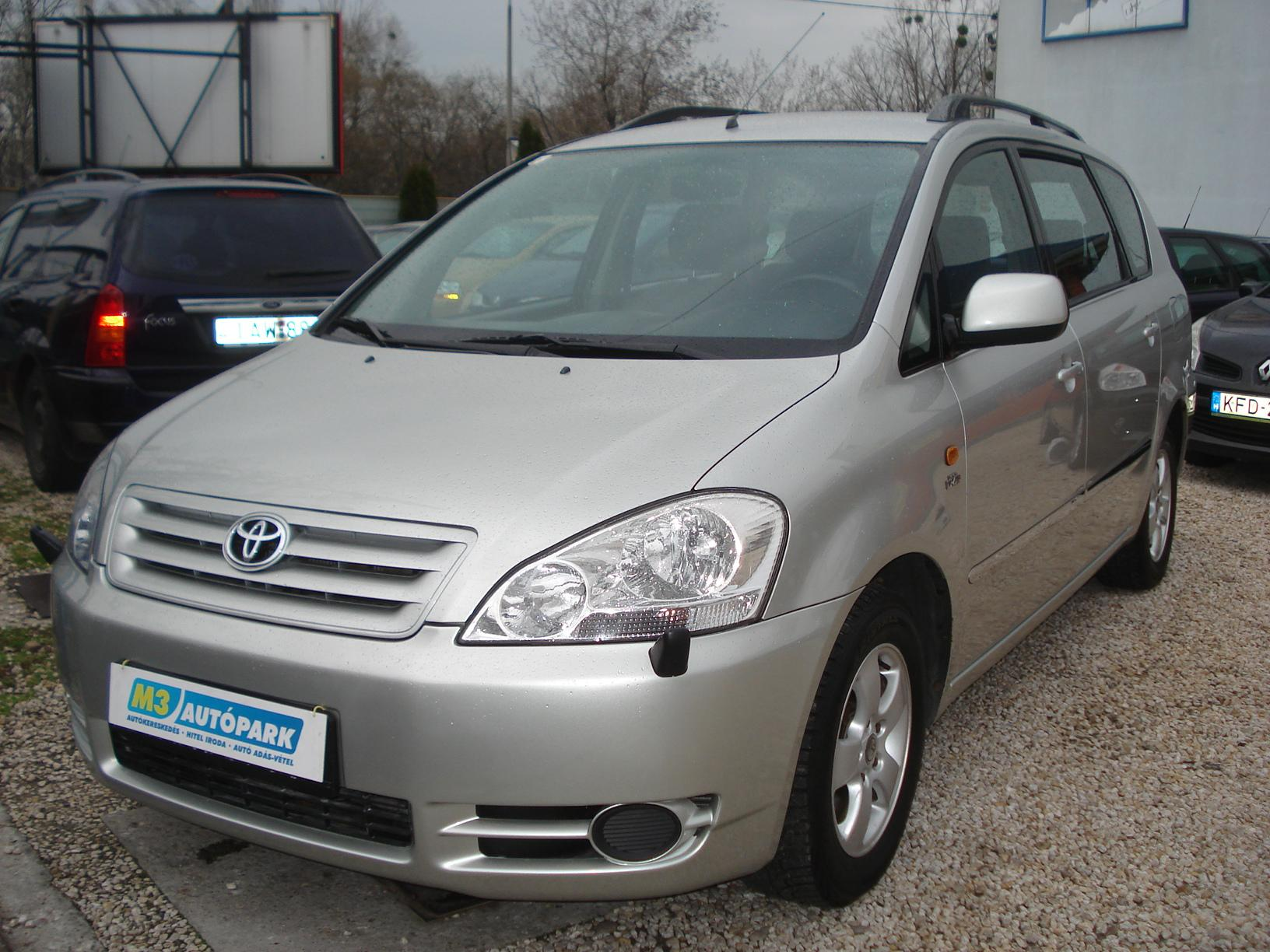 Haszn 225 Ltaut 243 Ad 225 S V 233 Tel Toyota Avensis Verso D4d 2003